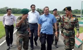 Defence Minister Manohar Parrikar in Leh, reviews security situation in J&K