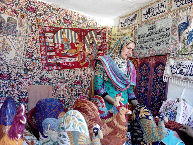 She Weaved A Career Out Of Handicrafts Kashmir Post