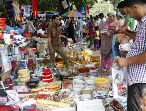 Sunday Market abuzz with shoppers ahead of winter