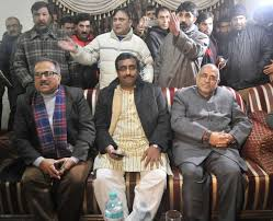 Mehbooba keeps BJP waiting, Ram Madhav returns to Delhi
