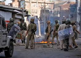 Dozens injured in forces action at Sirigufwara; Pro-freedom demos rock Aishmuqam