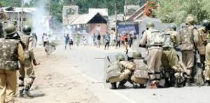 Massive clashes erupt in Kulgam, 04 Persons injured in forces action
