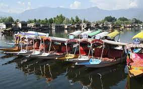 Kashmir's Travel Industry badly shattered by COVID19 Second Wave