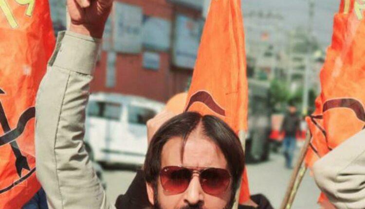 Shiv Sena's Kashmir president Abdul Khaliq Bhat scrambles to COVID-19
