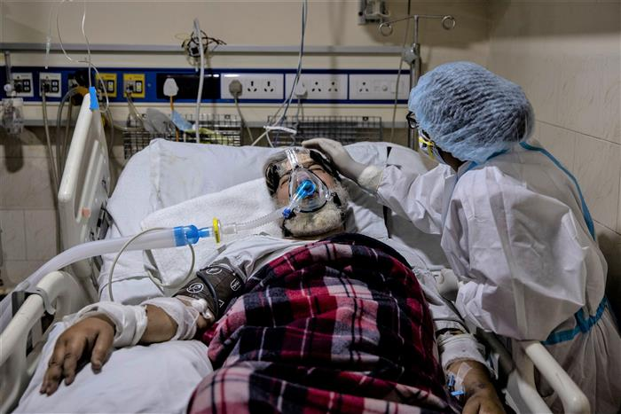 Kashmir hospitals see a rise in Post-COVID complications: Experts