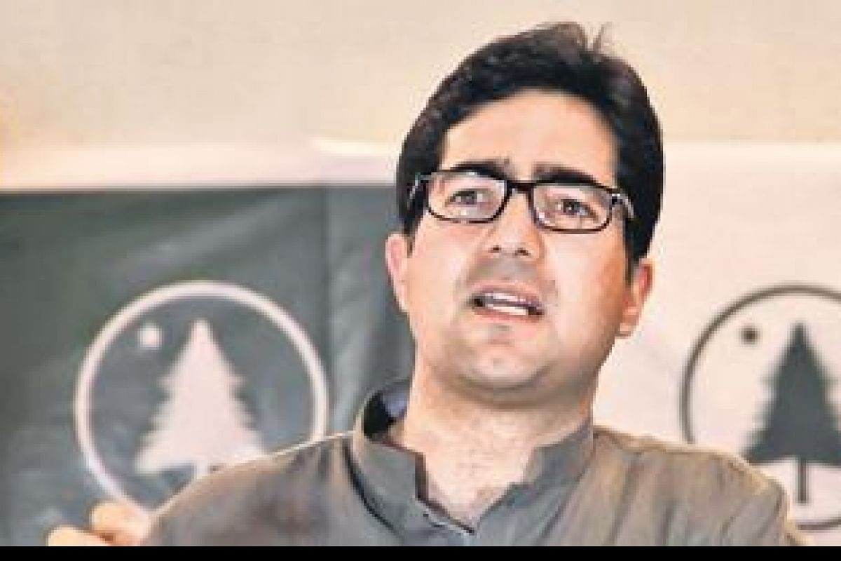 Outspoken IAS Officer Shah Faisal who flirted with 'Politics of Change' likely to be appointed Lt Governor's adviser